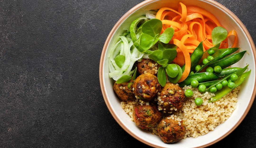 Quinoa bowl with chickpea balls for a healthy transition to a vegan lifestyle